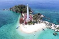 Wisata ke Pulau Lengkuas